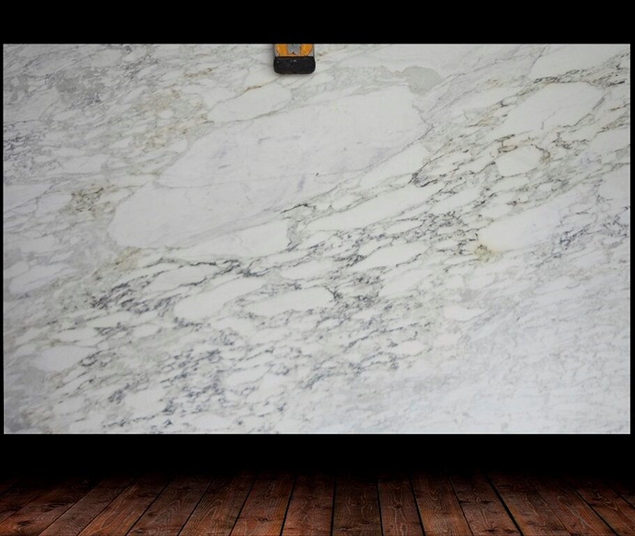 CALACATTA OVALE HONED / POLISHED MARBLE