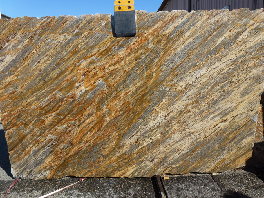 Huracan Gold Granite Full Slab