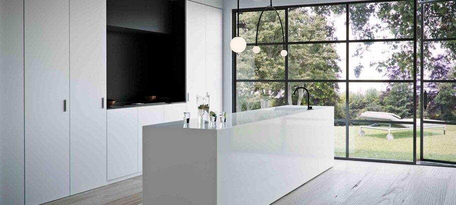 Vivid White Caesarstone Quartz Kitchen