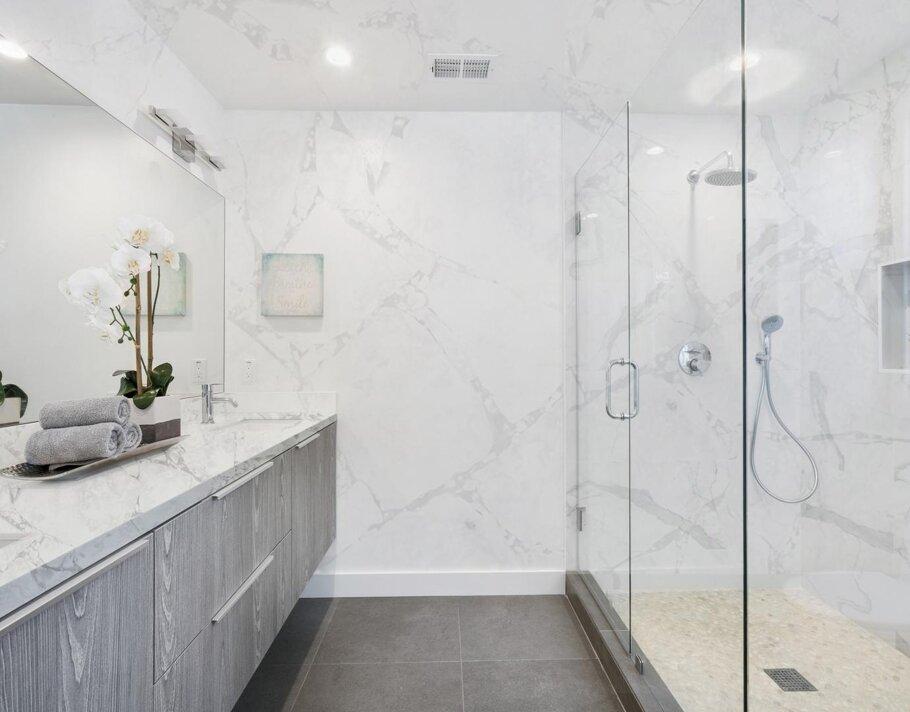 Calacatta Capri Quantum Quartz Bath